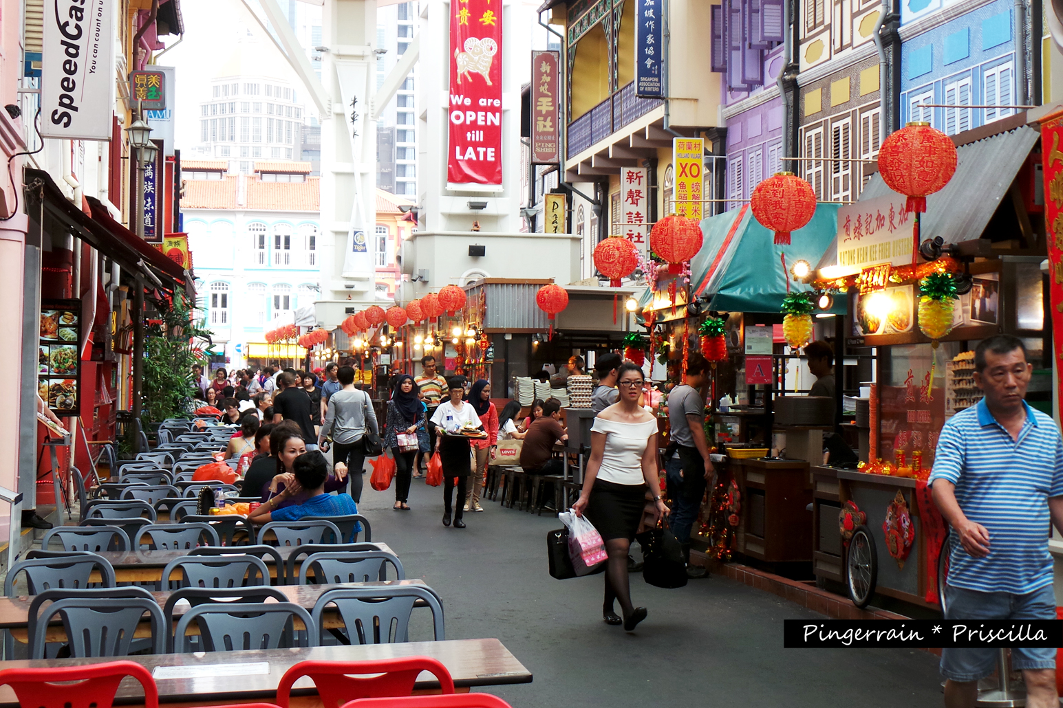 Savour all iconic Singapore dishes at Chinatown Food Street